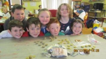 4th class fundraisers for the homeless christmas 2014 008