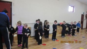 Hurling training in the hall 001