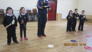 Hurling training in the hall 004
